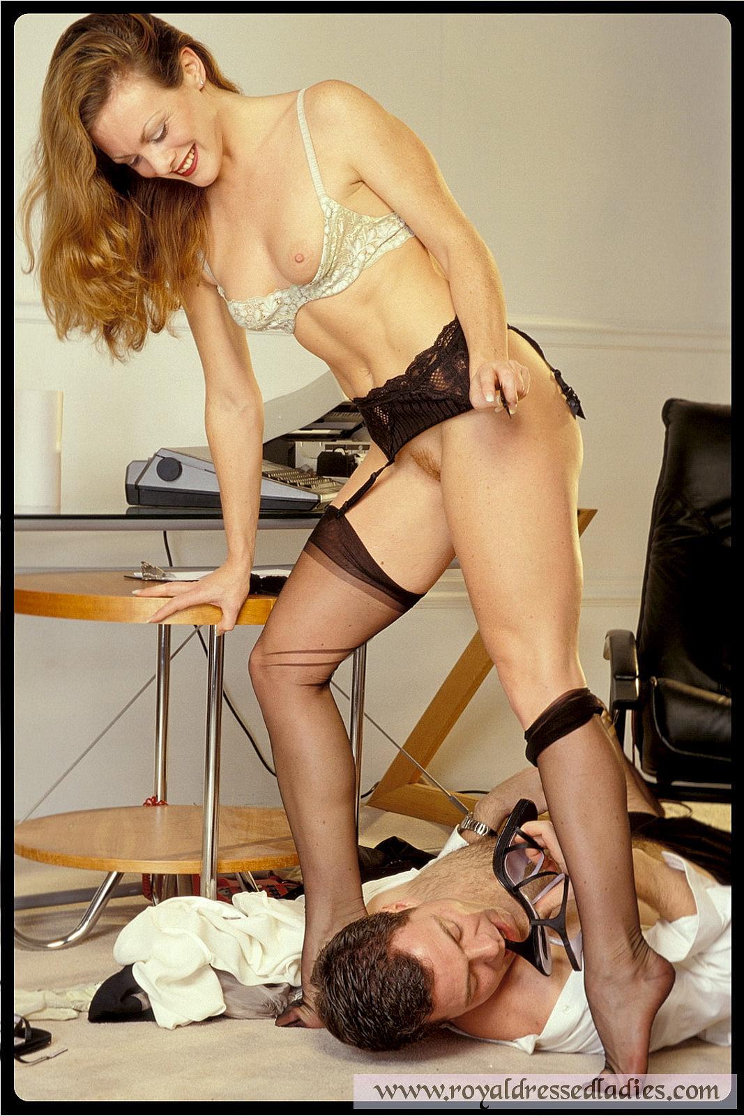 Hot European Bitch Gets A Cumshot Online XXX Sex Images