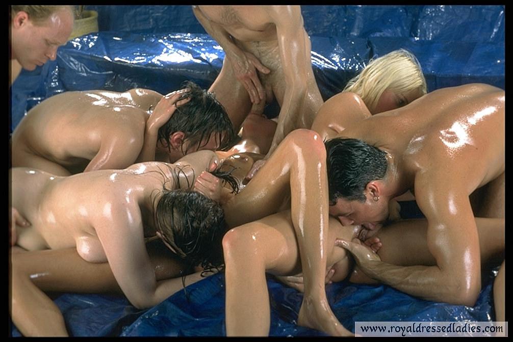 Wet orgy girls