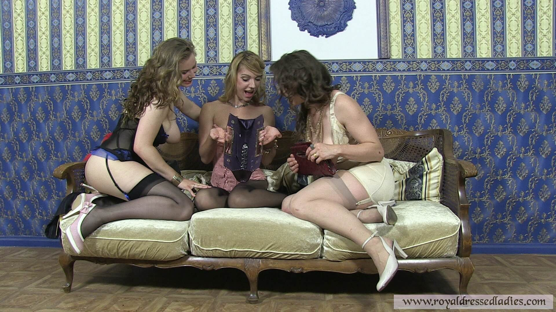 Threesome Swinglifestyle Erotic Lesbians Games Part 2