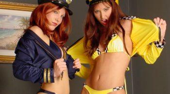 Sexy lesbische Lady Cop erwischt den ungezogenen Taxidriver