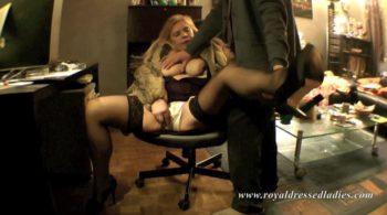 Titten Peggy masturbiert vor der Webcam Teil 1 - Pelz Fetisch Erotik