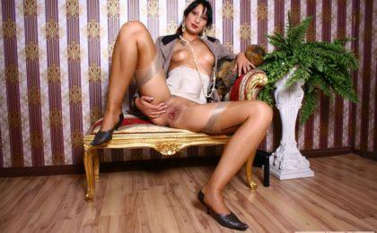RDL porn Lady masturbates - Royal Dressed Ladys Kleidungsfetisch
