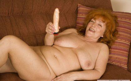 Slutty redhead milf bitch - RDL - Alte Frau Mature Porno